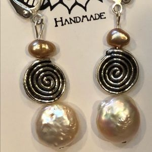 Casey Keith Design Jewelry - Coin Pearl Spiral Earring in Peach